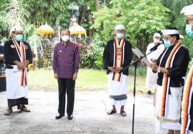 Gubernur Wayan Koster Dinobatkan Sebagai Dewan Penasehat Utama PPS Kertha Wisesa Wilayah Bali
