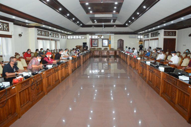 Komisi III DPRD Bali Gelar Rapat Kerja Terkait Pengelolaan Angkutan Bandara Ngurah Rai