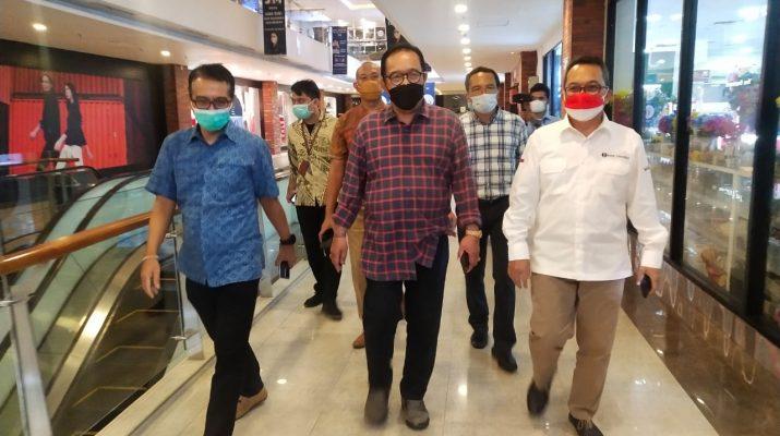 Wagub Cok Ace, Mall di Bali
