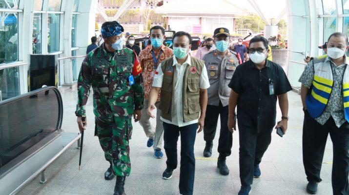 Sekda Dewa Indra Pantau Simulasi Kedatangan Wisman di Bandara Ngurah Rai